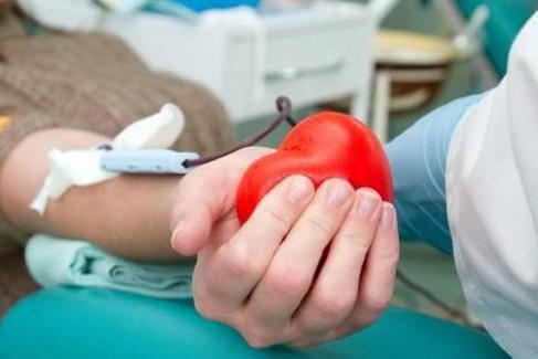 С начала 2018 года жители Томской области сдали более 12 000 литров крови