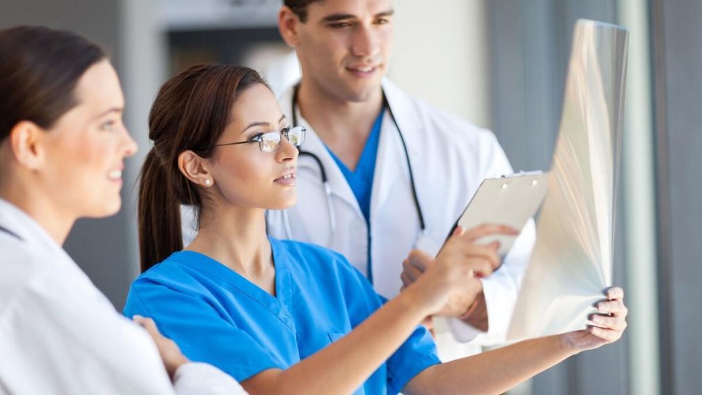 В Томской области увеличилось количество врачей