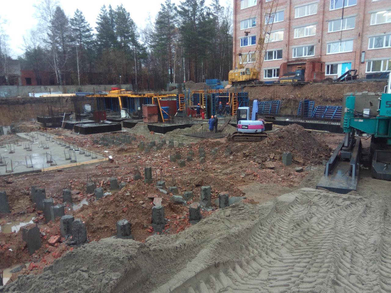 Строители начали возводить фундамент хирургического корпуса томского онкодиспансера
